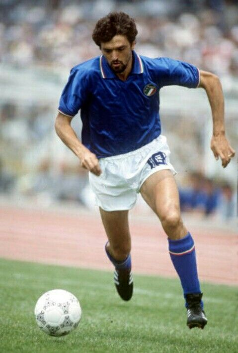 Alessandro Altobelli of Italy at the 1986 World Cup Finals.
