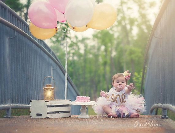 Gold first birthday bodysuit - Pink and Gold Glitter Crown - Girls first birthday outfit - Cake smash photo prop - Gold Birthday Outfit -