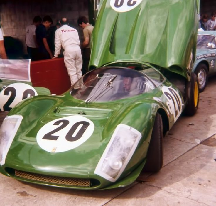 Green Ferrari . Sebring 1967, David Piper