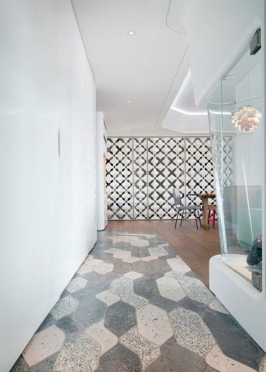 Cavendish Heights Residence / AFFECT-T// Lovely floor tiling//