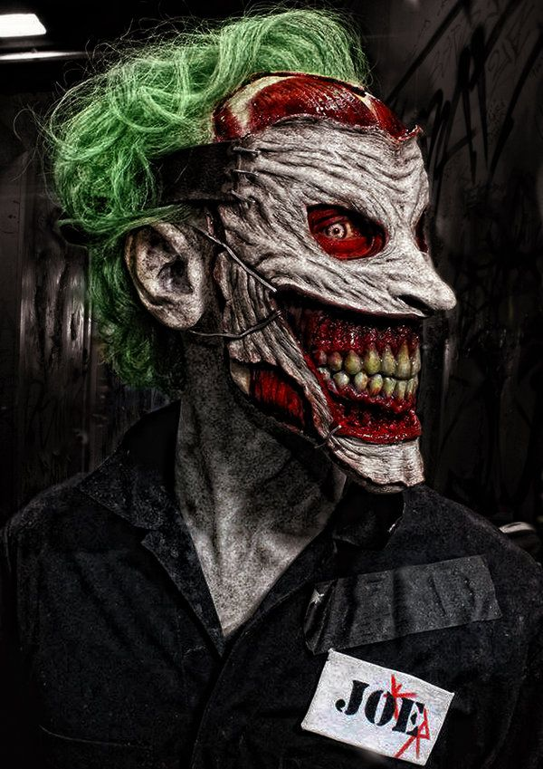 Death of the Family Joker cosplay.