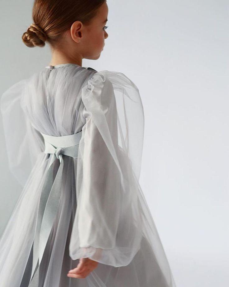 graues kleid mit baendern fuer maedchen etsy kindermode kleider