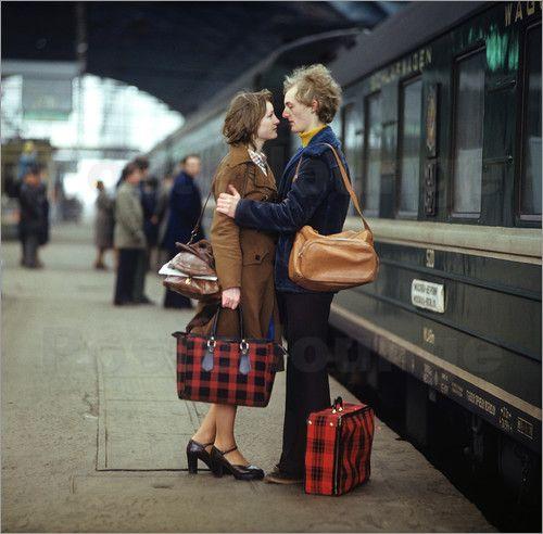 Klaus Morgenstern - DDR - Paar am Zug 1970er Jahre