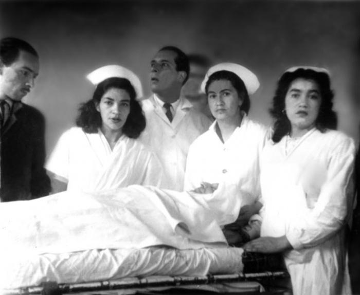 1  Cuerpo médico de la Clínica Central de Bogotá, junto al cadáver de Gaitán    © Manuel H.
