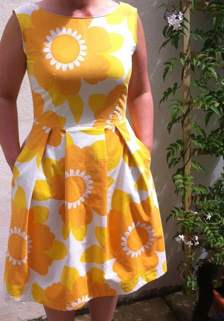hellozoeb: Simplicity 2444: The Duvet Dress.....