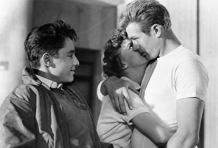 Sal mineo natalie wood james dean in rebel without a - Fotos de parejas en blanco y negro ...