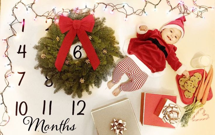Six month milestone picture. Christmas theme baby picture. Milestone blanket.