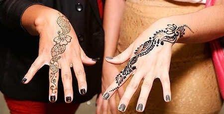 Donne con tatuaggi sulle mani (Foto 2/40) | QNM