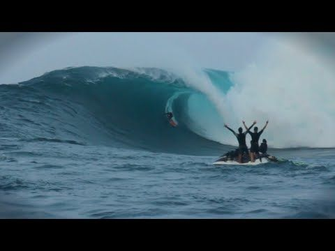 Paddle in Big Wave Surf Competition - Red Bull JAWS #peahi #jaws #maui