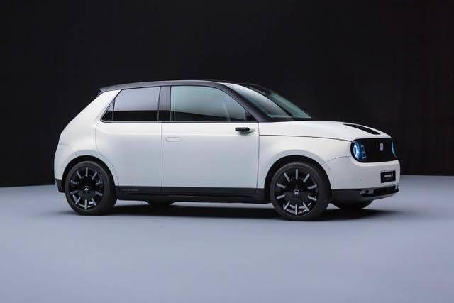 Honda Readies Its Electric E Prototype For The Urban World In 2020 Honda Electric Car Car City Car