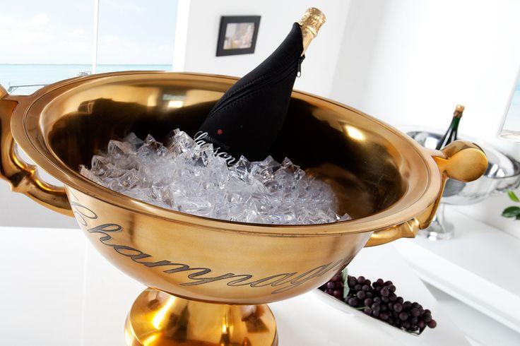 """Unser stilvoller, aus Aluminium gefertigter, Champagner-Kühler """"CHAMPAGNE"""" in Goldoptik ist definitiv ein Eyecatcher in Ihrem Ambiente"""