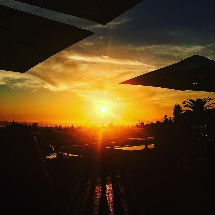 Epic sunset tonight @limewoodbarandrestaurant!  #grateful #Berkeley #sunset #claremonthotel
