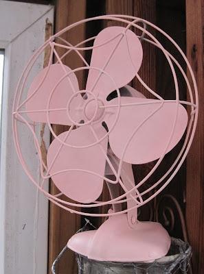vintage pink fan...love it!