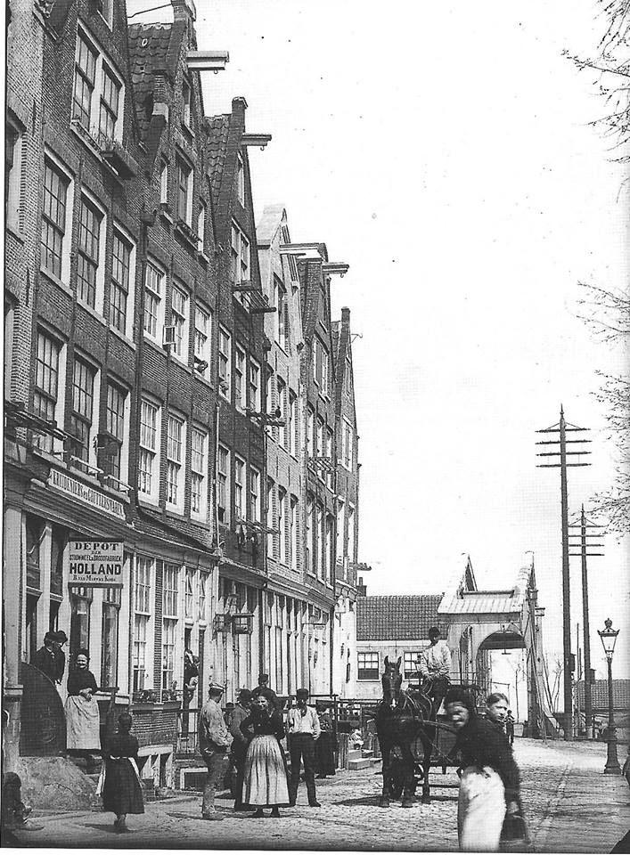 Amsterdam, Zandhoek, bij Bokkinghangen en de brug over de Zoutkeetsgracht. Jacob Olie 1891