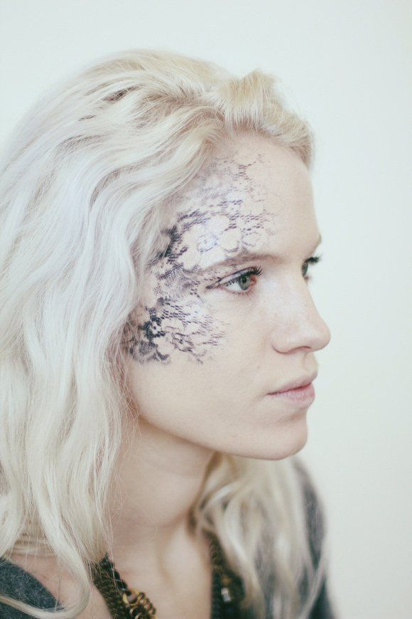 Lady in Lace - Cool Halloween Makeup   25 Looks That Are Actually Easy, see more at http://diyready.com/cool-halloween-makeup-25-looks-that-are-actually-easy