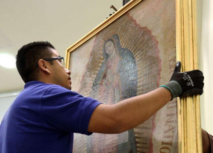 México, 24 feb (EFE).- Un lienzo con la imagen de la Virgen de Guadalupe, de más de 150 años de antigüedad, fue devuelto por las autoridades a la parroquia del estado mexicano de Jalisco de la que fue robada en el 2010, informó hoy la Procuraduría General de la República (PGR, fiscalía).