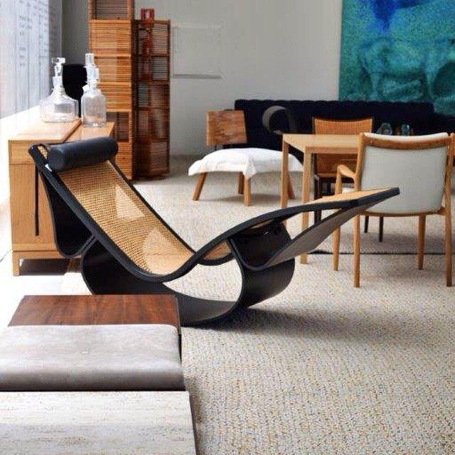 Chaise Rio- Oscar Niemeyer, por Etel Interiores... Beleza e presença. Foto @camargomarcus