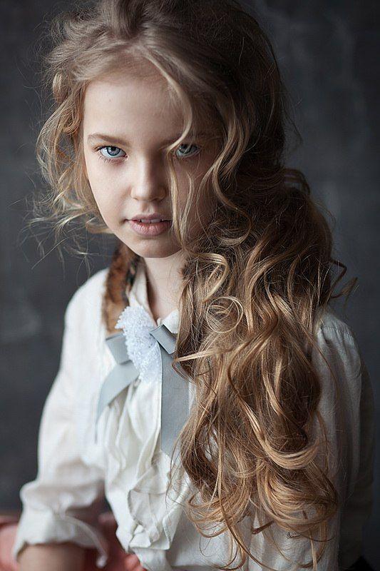 Russian child model Zoya Kurzenkova.