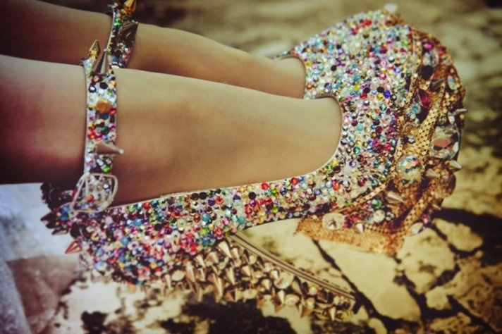 sparkly spiked heels: Wedding Accessories, Wedding Shoes, Tuesday Shoesday, Glitter Shoes, Spikes Heels, Shoesday Inspiration, Spiked Heels, Bride, Sparkly Rainbows