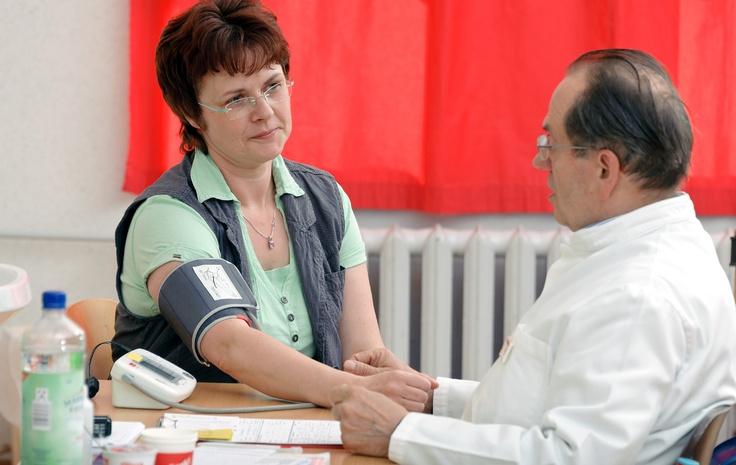 Weltgesundheitstag: Volkskrankheit Bluthochdruck – DRK-Blutspender könnten von   blutdrucksenkender Wirkung der Blutspende profitieren: Am 7. April ist Weltgesundheitstag. Der diesjährige Aktionstag soll wieder ein vorrangiges   Gesundheitsproblem in das Bewusstsein der Öffentlichkeit rücken – den Bluthochdruck.   Aktuelle Untersuchungen zeigen, dass regelmäßiges Blutspenden helfen kann, den Blutdruck   zu senken. Detaillierte Informationen: http://www.blutspende-nstob.de