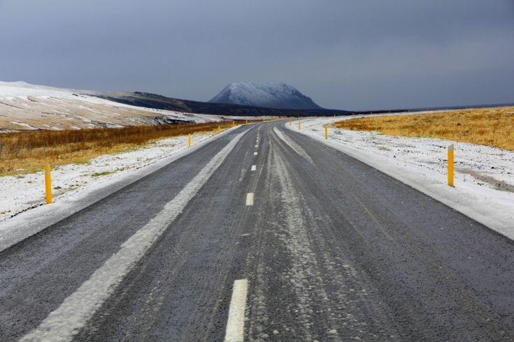 Het prachtige IJsland is het ideale decor voor een avontuurlijke roadtrip. IJsland is een droom zo mooi, je kunt je hier weken vermaken. Maar ook als je niet veel tijd hebt zijn er opties genoeg voor een onvergetelijke tocht. Ik verbleef2,5 dagin IJsland en heb per auto een groot deel van het zuidwesten van IJsland …