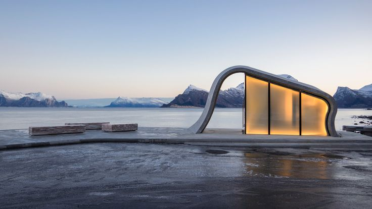 Wave-shaped toilet facility to Norway's scenic tourist routes, in Helgelandskysten, region of Gildeskål. Architects: Haugen/Zohar Arkitekter (HZA).
