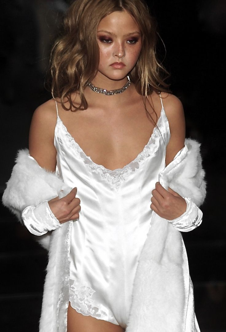 "frackoviak: "" RICHARD TYLER FALL 2001 