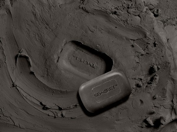 This bar does it all, and is one of our most popular products. Enriched with mineral mud from the Dead Sea, this soap gives you a deep, exfoliating clean, and reveals irresistibly glowing skin.