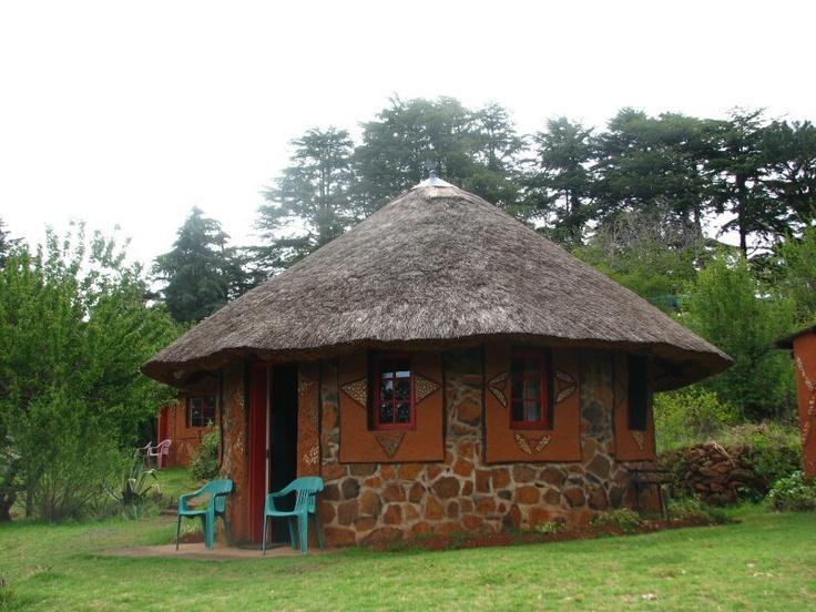 Lesotho.    In deze rondavel hebben we geslapen.