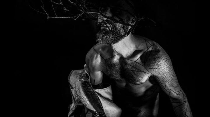 ____ vuoi farti un regalo: semina la gentilezza, cogli il rispetto, coltiva la serenità ___  Fabrizio Caramagna  UNUM_____ #ennuinoir extrait de parfum______  www.unumparfum.com  Filippo Sorcinelli and Rita Francia ph ______  #unum #lavs #perfume #art #artist
