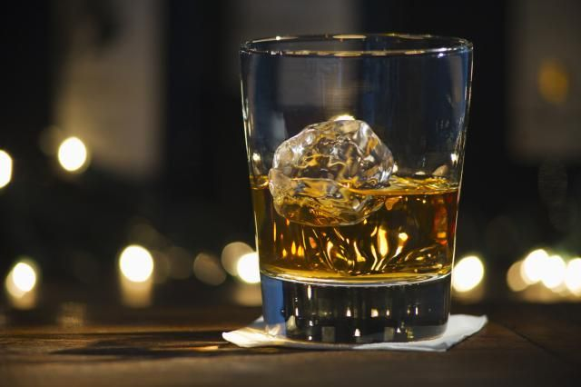 Is bourbon gluten-free? Find out whether bourbon drinks will suit your gluten-free diet, and the alternatives you have if it doesn't work for you.
