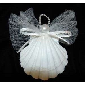 sea shell christmas ornaments this is what we are going to make at the beach this weekend for with lucy little friendsXXX