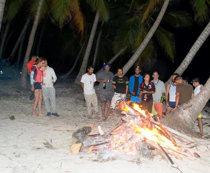 #Fogata @ Playa Frontón Foto: Wladimir Eusebio. -> Playa Fronton in Las Galeras, Samaná