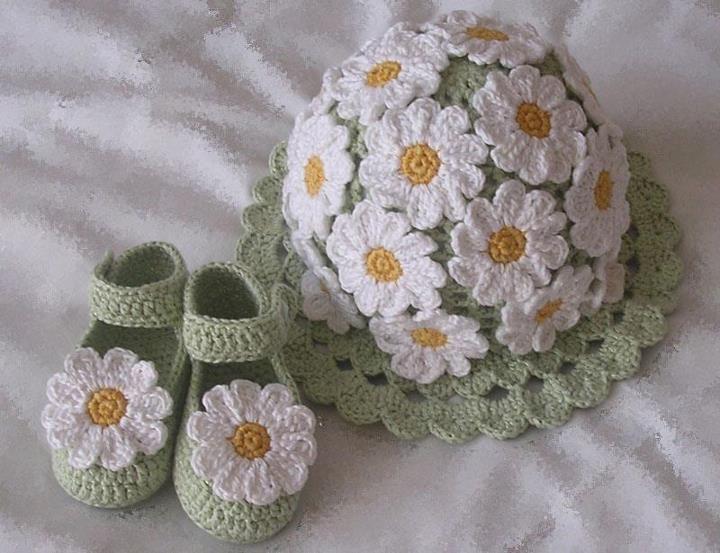 Baby's Hat & Booties in Bloom!