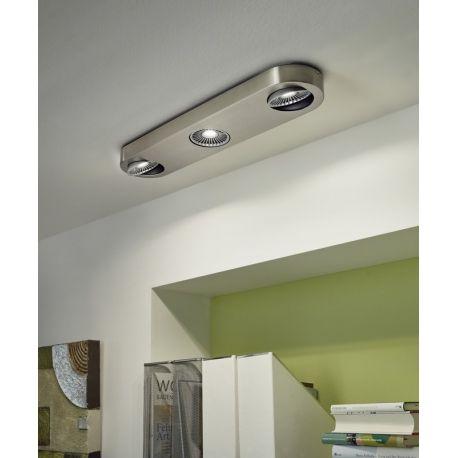 Un éclairage personnalisable, c'est ce que propose le spot intérieur Montale. Au design simple et moderne, il éclairera de nombreuses heures votre maison.
