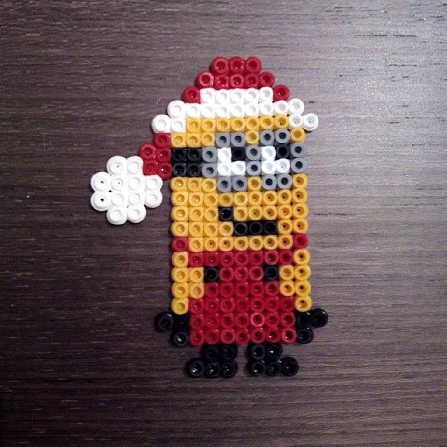 Santa Minion hama beads by marielavelo