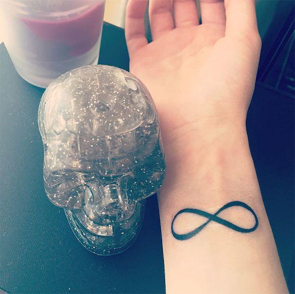 Значение татуировки бесконечность
