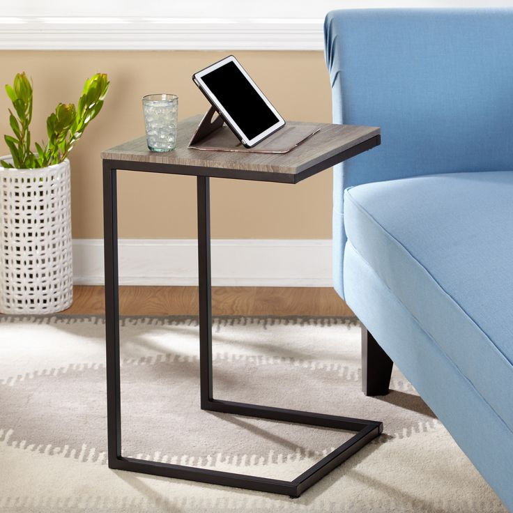 The Seneca C Table from Simple Living is a versatile piece that can be used in any room as an accent table, end table, bedside table or chairside table. Equally useful as a tray table next to a sofa for refreshments