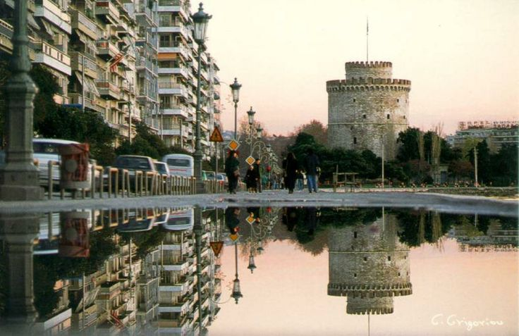 Thessalonikh town - Hellas Thessaloniki was founded by Cassander and was named in honor of his wife, Thessaloniki , which was half-sister of Alexander the Great.