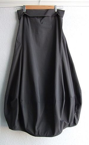 RUNDHOLZ 2010 Spring/Summer __ Tulip skirt £119 with high waist that can be folded down.
