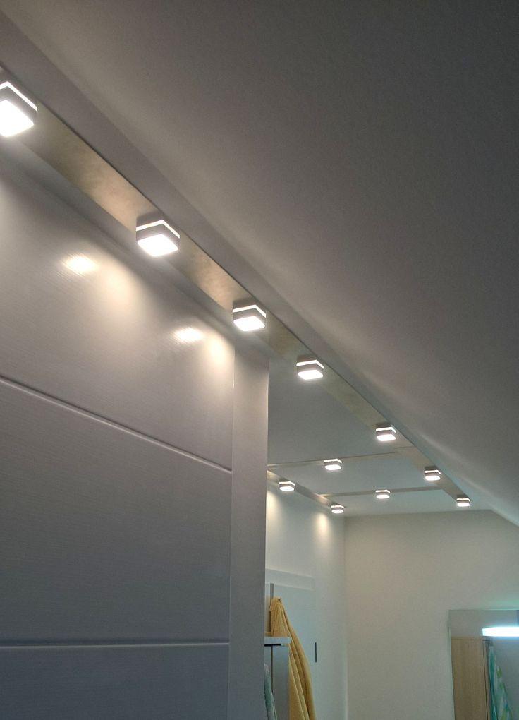 Unique MeiLi One Alu transparent auf Aluplatte als Deckenbeleuchtung im Badezimmer
