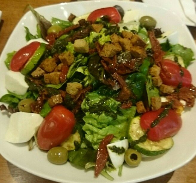 Healthy salad at Brotzeit
