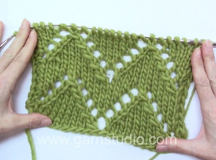 DROPS Knitting Tutorial: How to knit lace with zig-zag