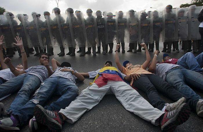 Governos da América Latina criticam onda de violência na Venezuela