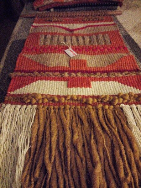 Telar artistico lana de oveja 100% yute y vellón Mariana Urrutia S. Diseños Kollella