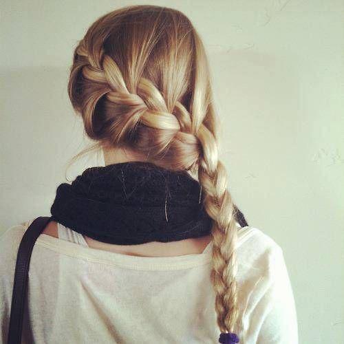 Trança embutida transversal, ideal pra cabelos pesados e lisos.