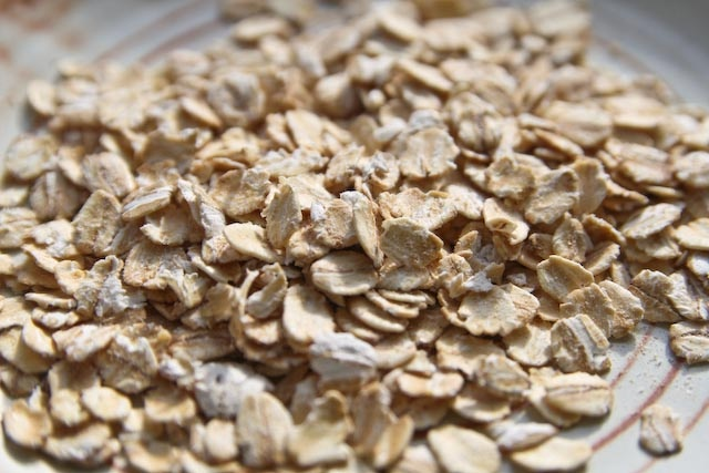 Starches:  Dry porridge oats are very commonly used to make porridge for breakfast in Scotland.  One serving of dried wholegrain porridge oats is 2 tablespoons.