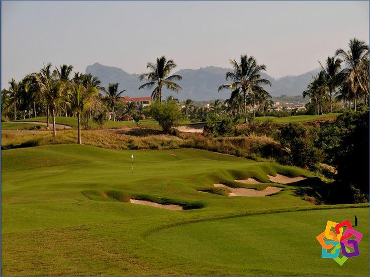 MICHOACÁN MÁGICO. Diseñado por Jack Nicklaus, el extraordinario Club de Golf Tres Marías, cuenta con 27 hoyos dispuestos de la forma más atractiva para disfrutar de una hermosa visita panorámica en su recorrido. Ubicado en la zona más exclusiva de la ciudad de Morelia, es uno de los campos de golf  más bellos del país. Fue seleccionado por la LPGA para formar parte de su gira mundial en la que participó nuestra campeona mundial Lorena Ochoa. HOTEL VILLAMONTAÑA http://www.villamontaña.com.mx