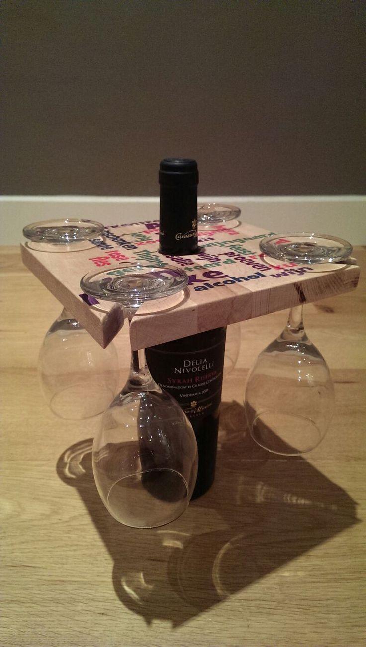 wijnfles glazen houder met tekst