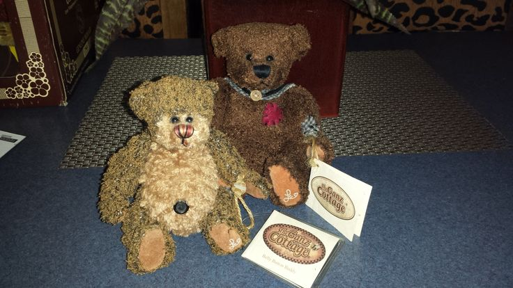 Cottage Collectibles bears